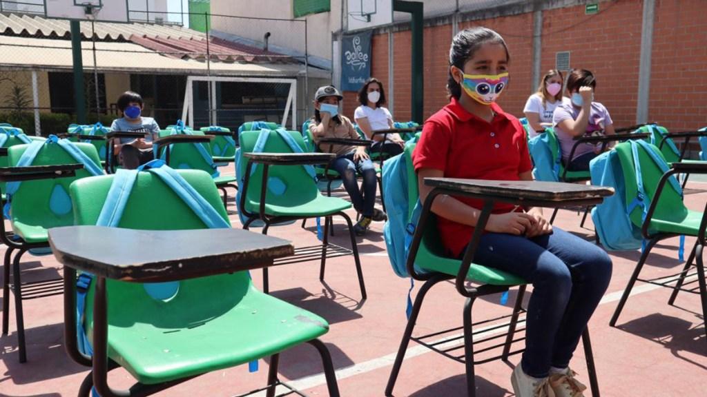 México se prepara para regresar a clases presenciales en medio de tercera ola de COVID-19 - Regreso a clases en México
