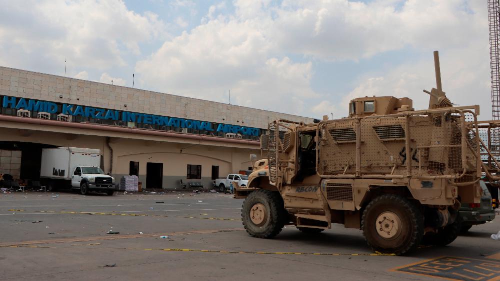 talibanes aeropuerto Kabul Afganistán