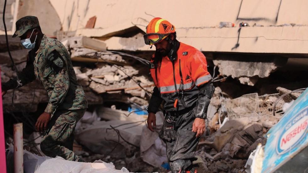 Topos buscan supervivientes del sismo de Haití con un escáner - Topos buscan supervivientes del sismo de Haití con un escáner. Foto de EFE