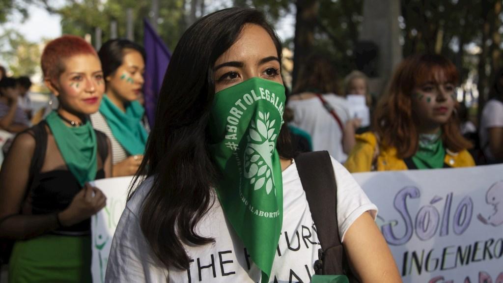 """Suprema Corte rechaza reconocer la """"vida humana desde la concepción"""" - Aborto México Suprema Corte concepción nacimiento bebé"""