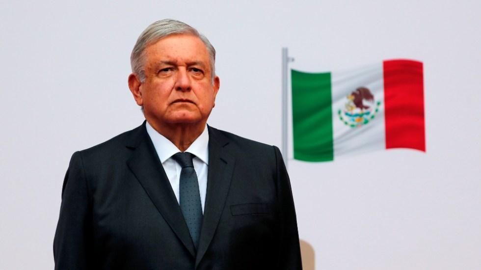No se está en contra de investigadores, sino de la corrupción: AMLO - AMLO López Obrador bandera académicos
