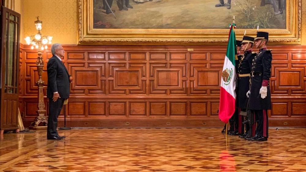 AMLO López Obrador Grito cadetes
