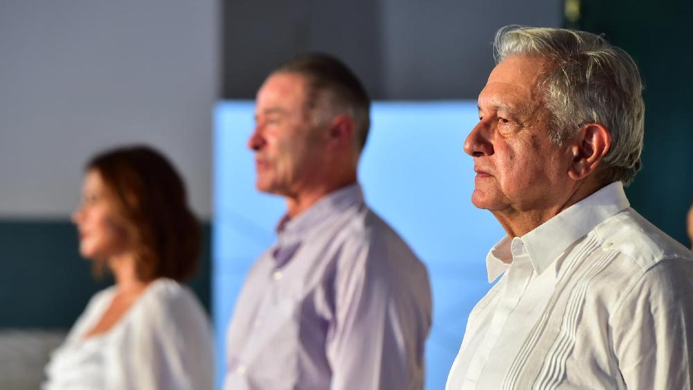 No tiene por qué dejar al PRI: AMLO sobre invitación a Quirino Ordaz - AMLO López Obrador Quirino Ordaz