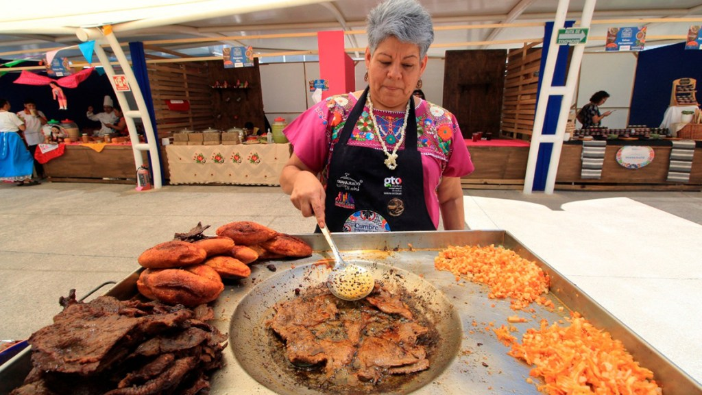 El 80 % muertes cardíacas puede evitarse con cambios en la alimentación - comida poco saludable para el corazón antojitos mexicanos