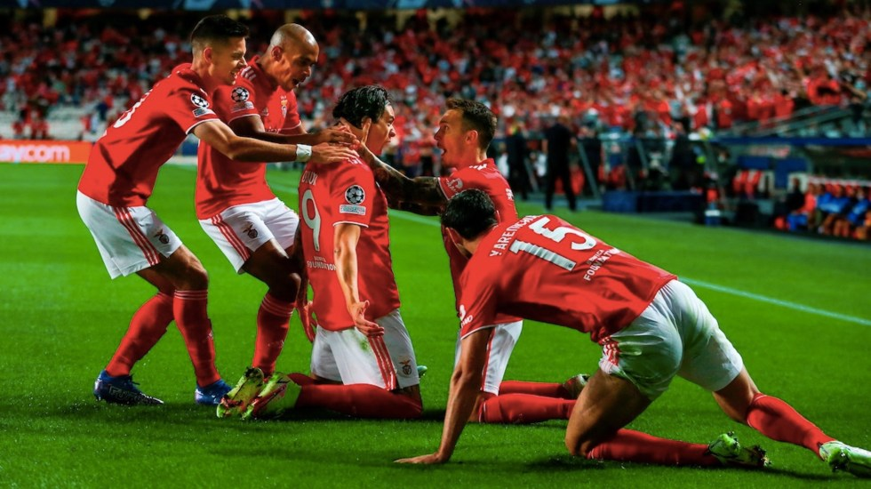 Benfica golea a Barcelona y hunde a Koeman - Benfica golea a Barcelona y hunde a Koeman. Foto de EFE