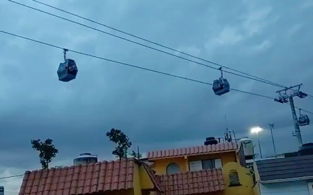 #Video Falla en Línea 2 del Cablebús deja a usuarios colgados casi una hora - Cablebús falla CDMX 19SEP21