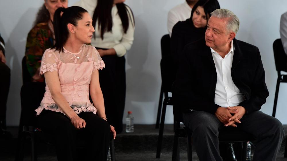 """""""No sé quién piensa en el 2024"""": Sheinbaum sobre gira con AMLO - Claudia Sheinbaum AMLO López Obrador"""