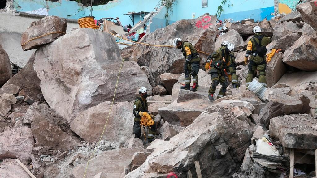 Advierten alto riesgo de nuevo derrumbe en Cerro del Chiquihuite - Derrumbe en Cerro del Chiquihuite. Foto de EFE