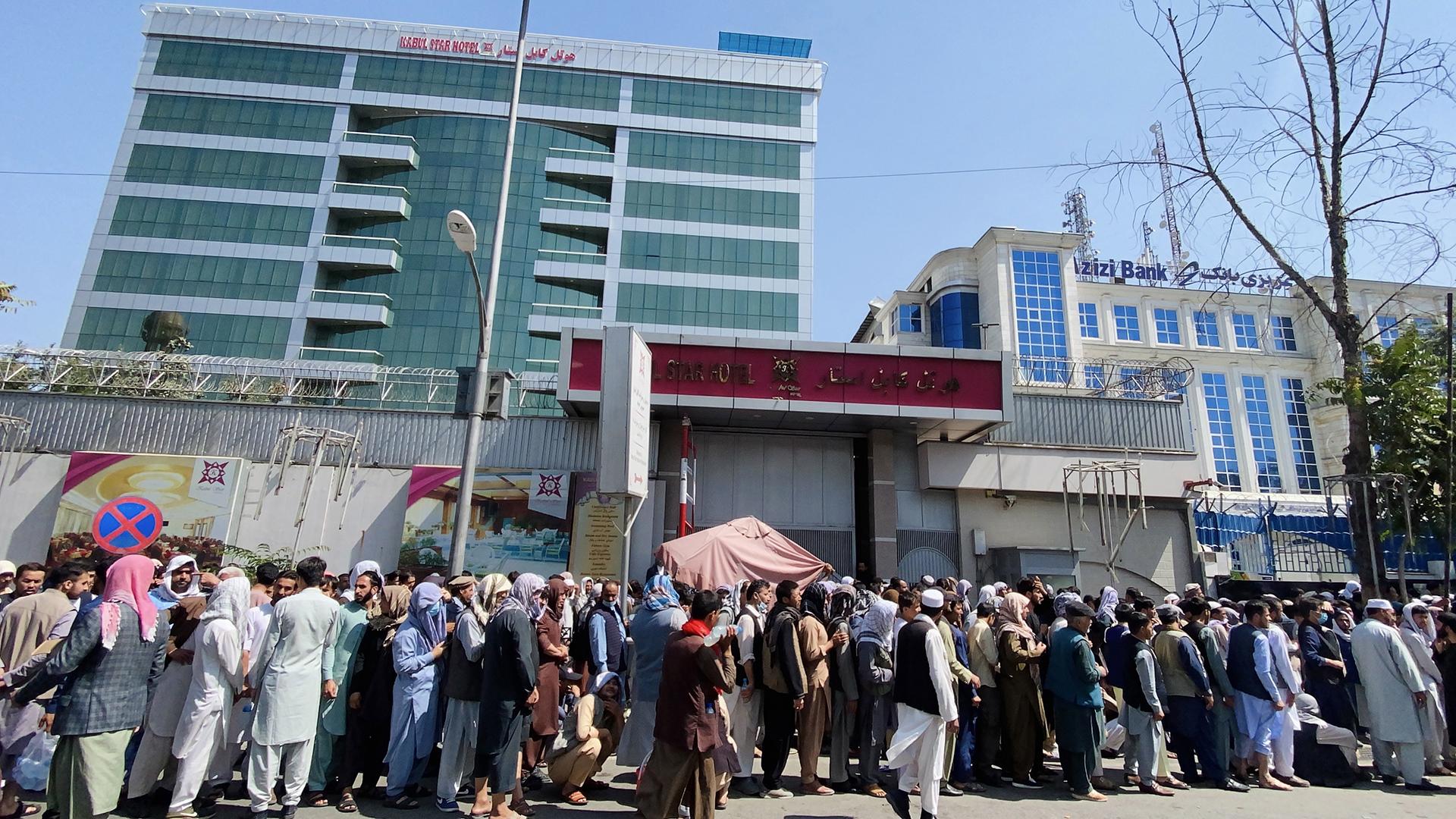 Talibanes enfrentan nuevos desafíos tras la salida de Estados Unidos