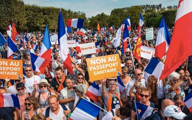 Nuevas protestas en Francia por certificado de vacunación obligatorio - Nuevas protestas en Francia por certificado de vacunación obligatorio. Foto de EFE