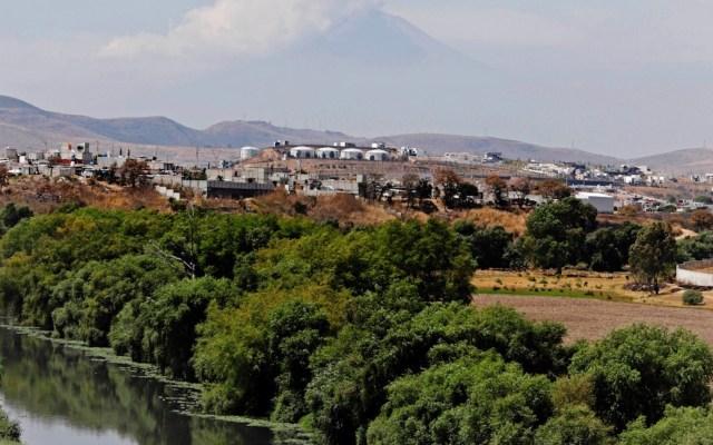 Alertan sobre aumento de nivel de río Atoyac en Puebla - Alertan sobre aumento de nivel de río Atoyac en Puebla. Foto de EFE