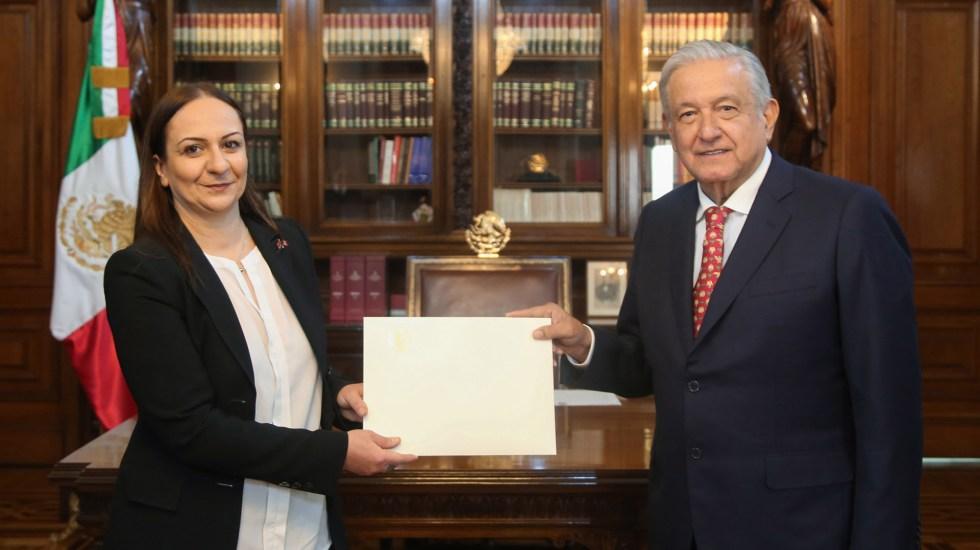 Recibe López Obrador cartas credenciales de diez embajadores - López Obrador recibe cartas credenciales de embajadora