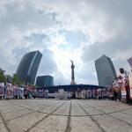 Mexicanos marchan por los 7 años de ausencia de los estudiantes de Ayotzinapa - Marcha Ayotzinapa 7 años 2