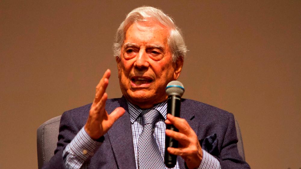 """Vargas Llosa lamenta que en """"América Latina el odio todavía prevalece"""" - Mario Vargas Llosa"""