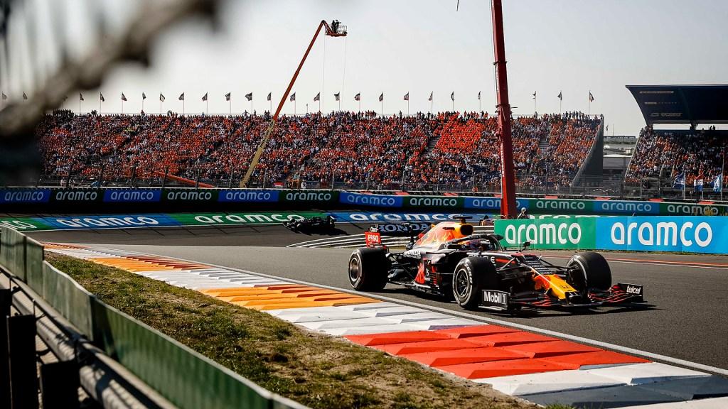 Verstappen gana GP de Holanda; 'Checo' Pérez finaliza en octavo lugar - Max Verstappen en GP de Países Bajos