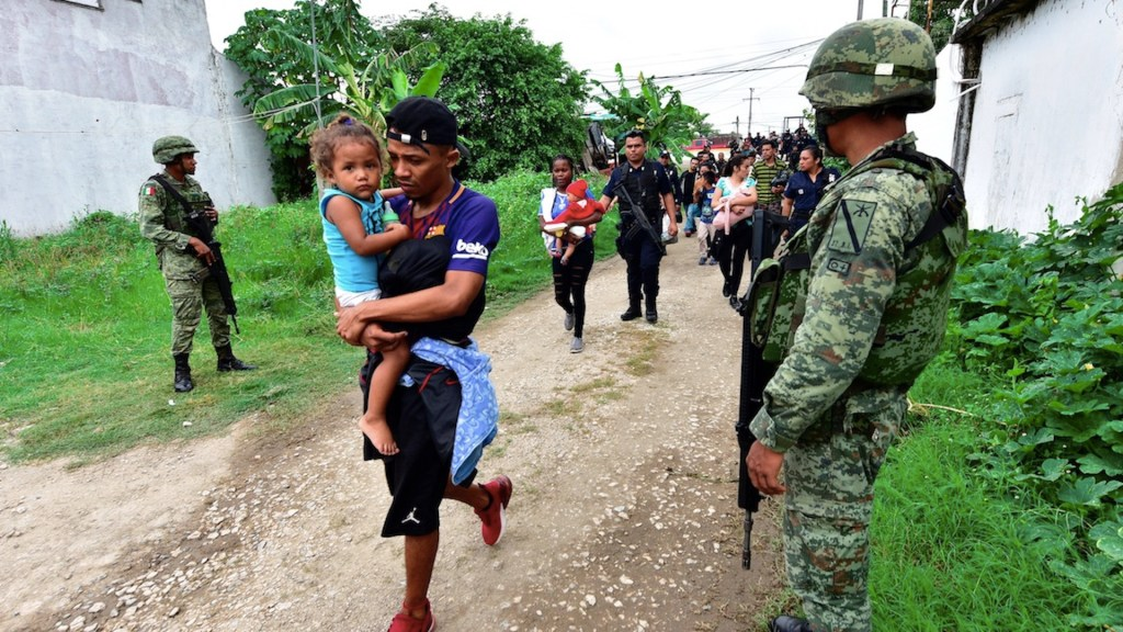 HRW acusa a México de expulsión masiva de migrantes sin debido proceso - HRW acusa a México de expulsión masiva de migrantes sin debido proceso. Foto de EFE
