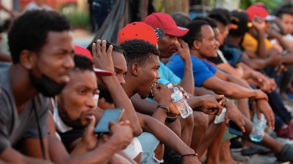 Advierten por condiciones precarias de migrantes que permanecen en la frontera - Advierten por condiciones precarias de migrantes que permanecen en la frontera. Foto de EFE