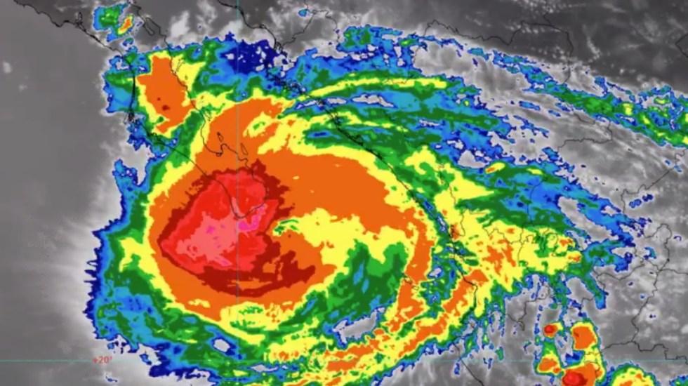 Olaf toca tierra como huracán categoría 2 en BCS; alertan por daños - Olaf Tierra Los Cabos