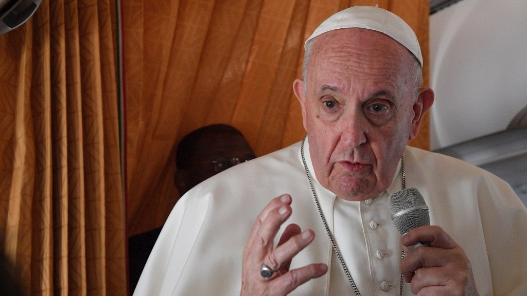 Papa Francisco pide a la Iglesia reconocer errores y pedir perdón por los abusos - El papa Francisco en Bratislava, Eslovaquia. Foto de EFE/ EPA/ TIZIANA FABI / POOL.