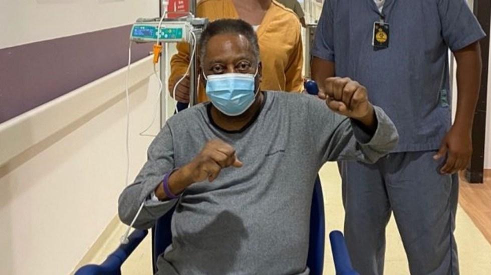 "Pelé continúa recuperación y celebra que ""cada día está mejor"" - Pelé futbol brasil recuperación hospital"