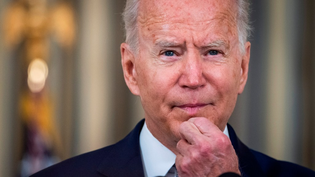 Aprobación de Biden cae a 44 % por manejo del retiro de tropas de Afganistán - Joe Biden