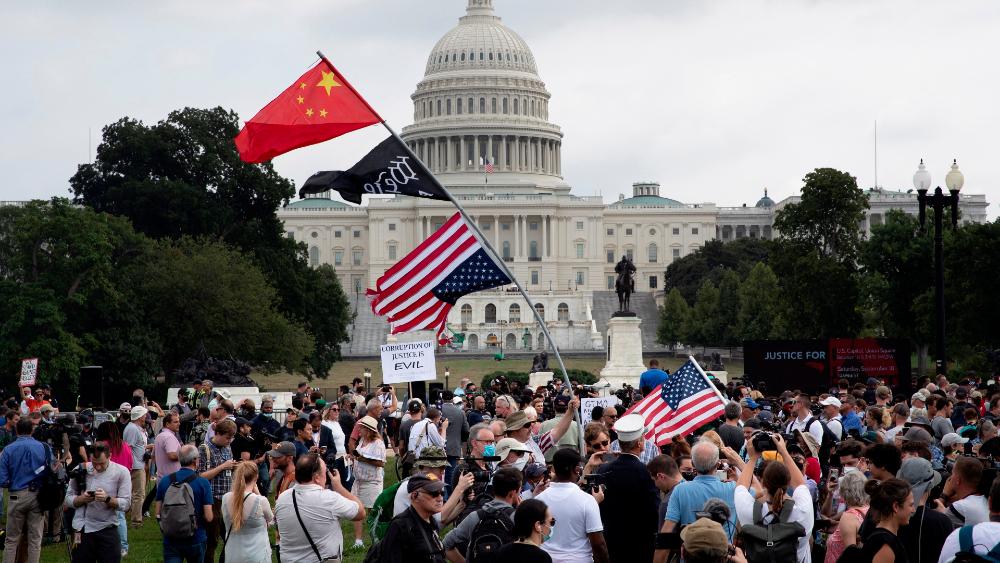 """Los """"dos EE.UU."""" congregan a unos pocos incondicionales en Washington - protestas capitolio 18sep21 Washington"""