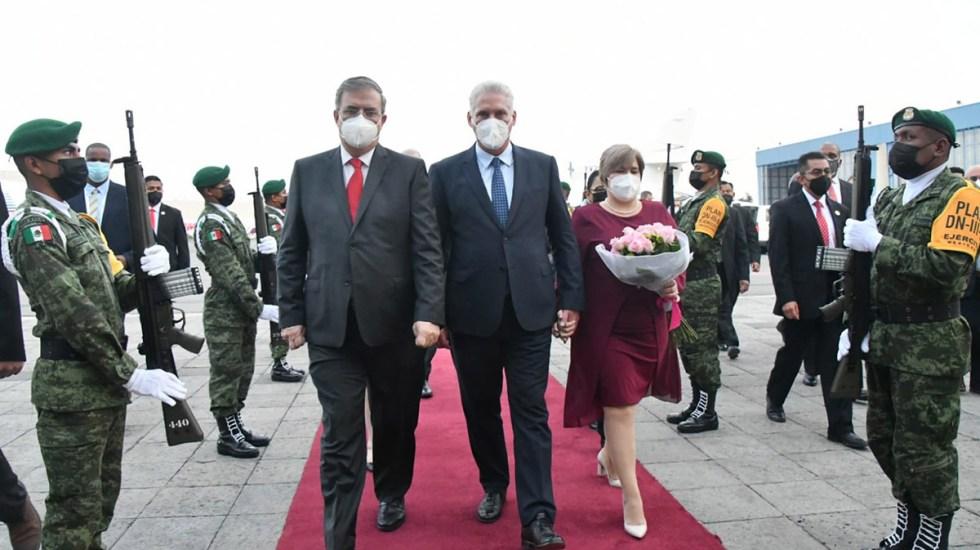 """Llega el presidente cubano Díaz-Canel a México; """"es un honor llegar a la entrañable tierra azteca"""", dice - Recepción del presidente de Cuba"""