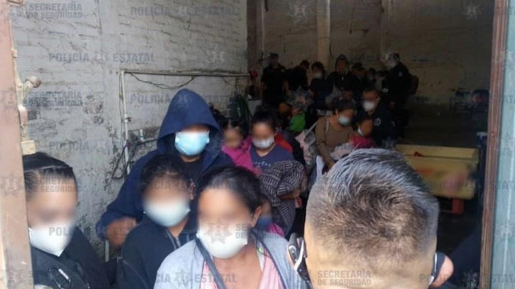 Encuentran a 42 migrantes encerrados en casa del Estado de México - Encuentran a 42 migrantes encerrados en casa del Estado de México. Foto de Secretaría de Seguridad Pública Edomex