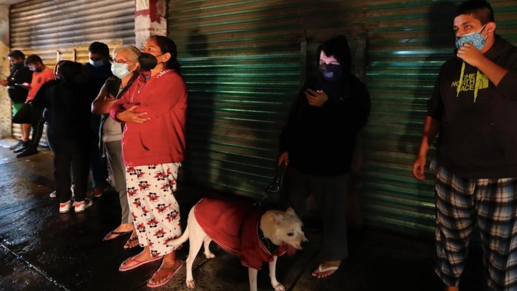 """Sismo magnitud 7.1 deja un muerto; """"No hay daños mayores"""", asegura AMLO - Sismo en la Ciudad de México. Foto de EFE"""