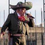 Vicente Fernández continúa en terapia intensiva; mantiene discreta mejoría