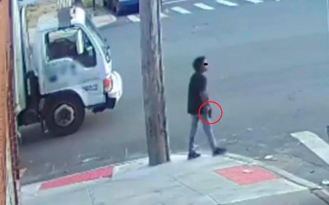 Detienen en Nueva York a adolescente por tiroteo que dejó un menor herido - Adolescente con pistola en Nueva York tras tiroteo en parque