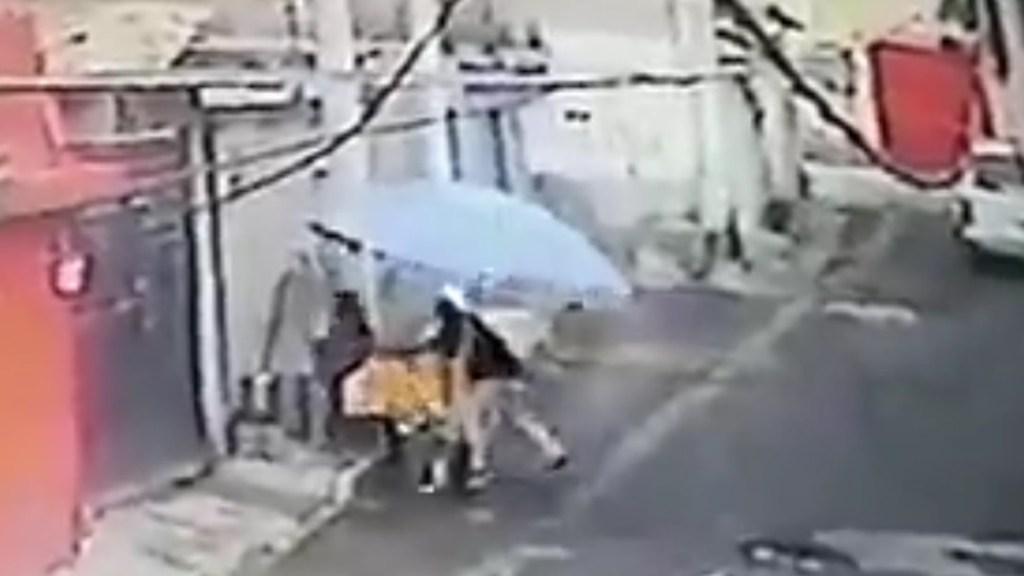 #Video Asaltan a vendedora de tamales en Cuautitlán Izcalli - Asalto a vendedora de tamales en Cuautitlán Izcalli