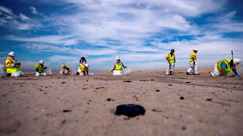 Estados Unidos teme que California tarde años en recuperarse de derrame de crudo - California derrame petróleo playa vertido