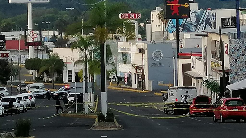 Ataque en bar de Morelia deja seis muertos y dos heridos - Calles de Morelia acordonadas por ataque en bar