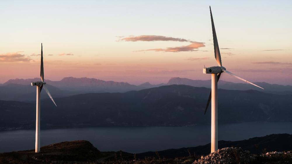 Empresas engañaron con energías limpias para hacer negocios sucios: AMLO - energías limpias eólica