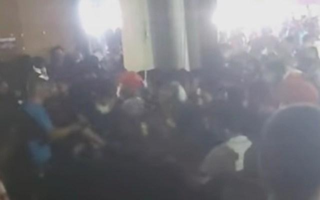 #Video Riña provoca estampida en Expo Guadalupe, Nuevo León - Estampida en Expo Guadalupe