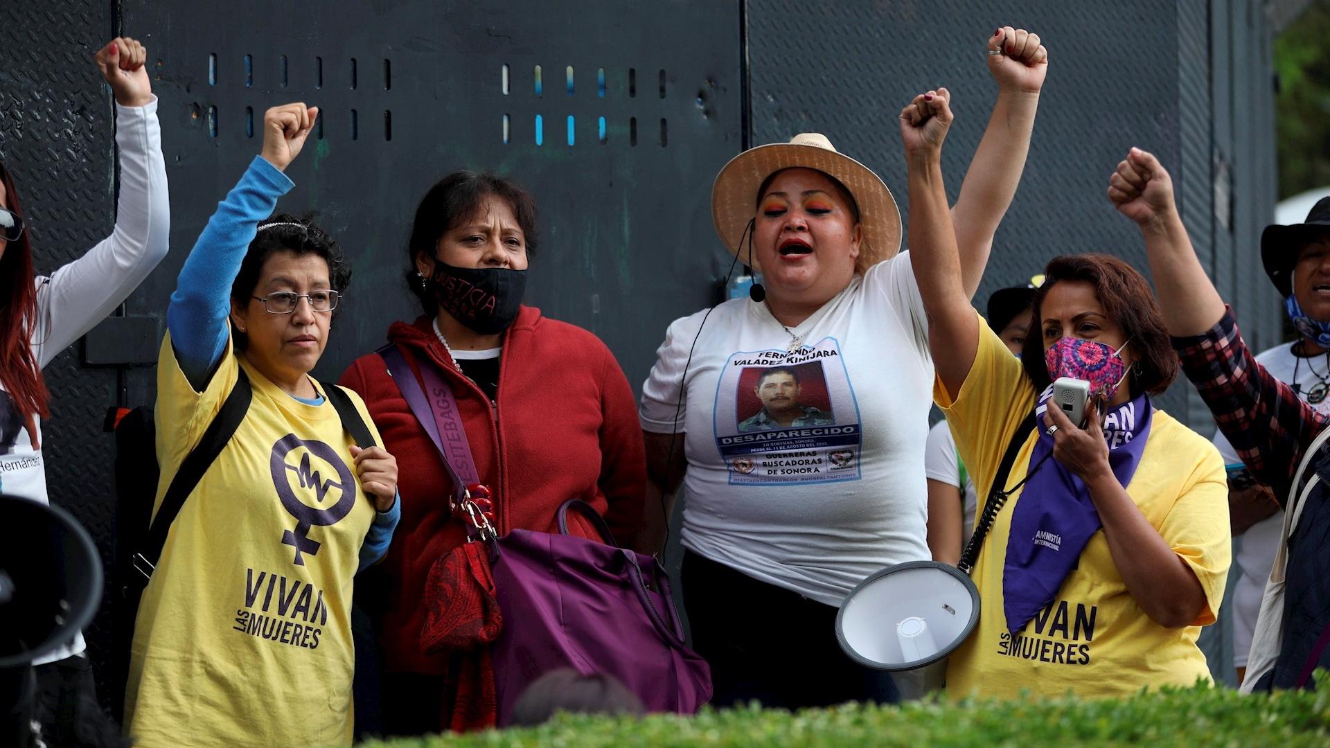 Feministas glorieta de Colón Ciudad de México Reforma
