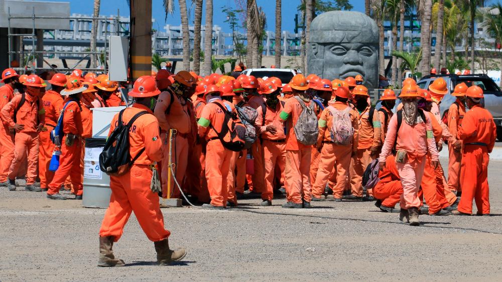 Desean que haya tragedia y nos vaya mal: AMLO por reacciones del enfrentamiento en Dos Bocas - Huelga refinería Dos Bocas Tabasco