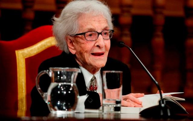 """La poeta uruguaya Ida Vitale (97 años) leerá los poemas de su último libro, """"Tiempo sin claves"""" - La poeta uruguaya Ida Vitale participa en una lectura de los poemas de su último libro,"""