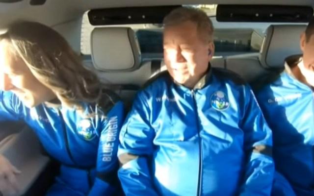 El actor William Shatner es a sus 90 años la persona de más edad en viajar al espacio
