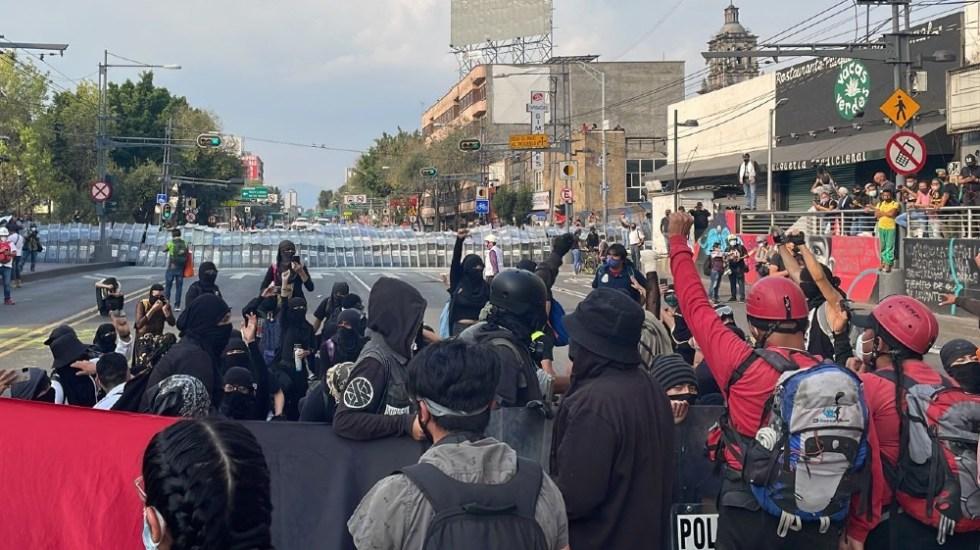 Marchan en CDMX por matanza de Tlatelolco; hay 3 policías lesionados tras disturbios - marcha Tlatelolco 2 octubre 2021 CDMX 2