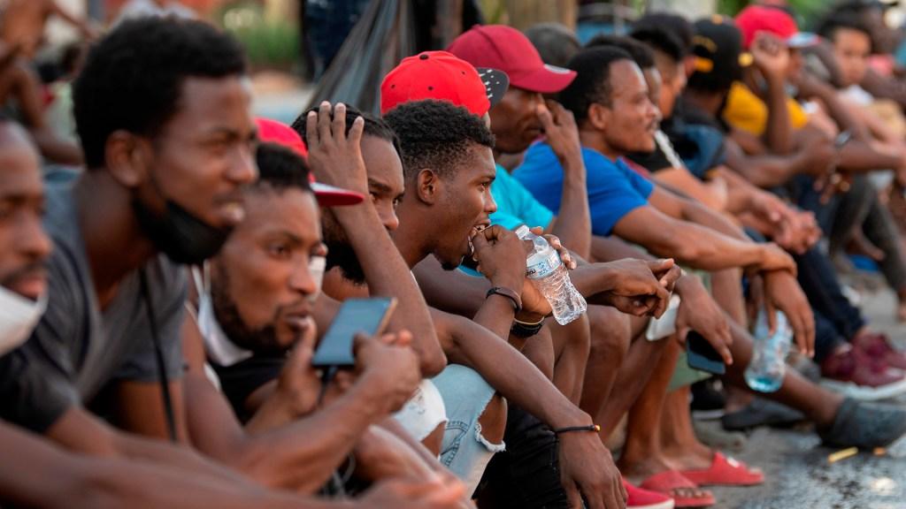 México pide ante la ONU apoyar a Haití para frenar migración - Migrantes haitianos en México