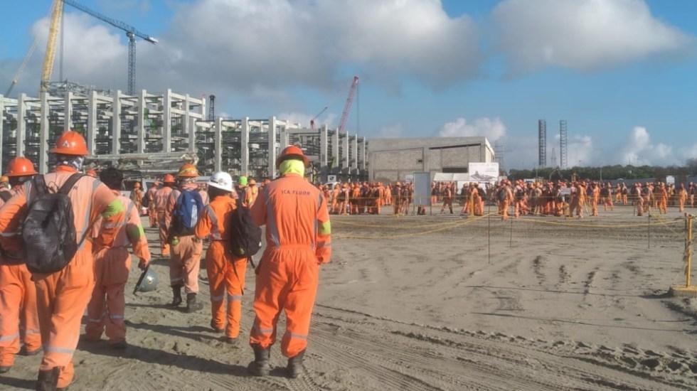 """""""No es nada grave"""": AMLO afirma que paro en Dos Bocas es momentáneo - Obreros trabajadores refinería Dos Bocas"""