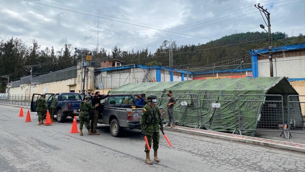 Continúan operativos en segundo día de estado de excepción en Ecuador - Continúan operativos en segundo día de estado de excepción en Ecuador. Foto de EFE