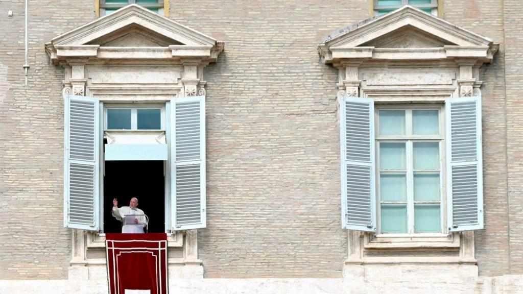 Papa, apenado por la 'explosión de violencia' en cárcel de Guayaquil - El Papa Francisco en la plaza de. san pedro