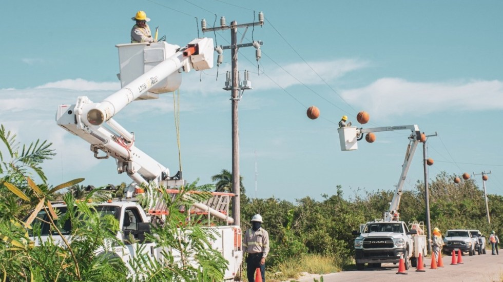 """""""Defiendan su casa"""", dice Bartlett a trabajadores de CFE. Reforma busca recuperar control de Sistema Eléctrico, asegura - Reforma de López Obrador busca control de sistema eléctrico, asegura CFE. Foto de CFE"""