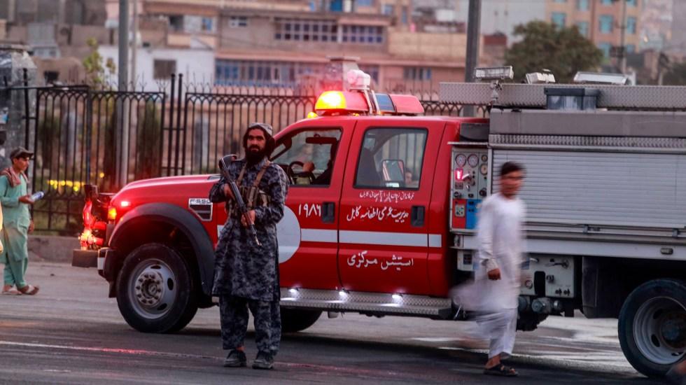 Atentado en mezquita de Afganistán deja al menos 80 muertos - Servicios de emergencia en Afganistán