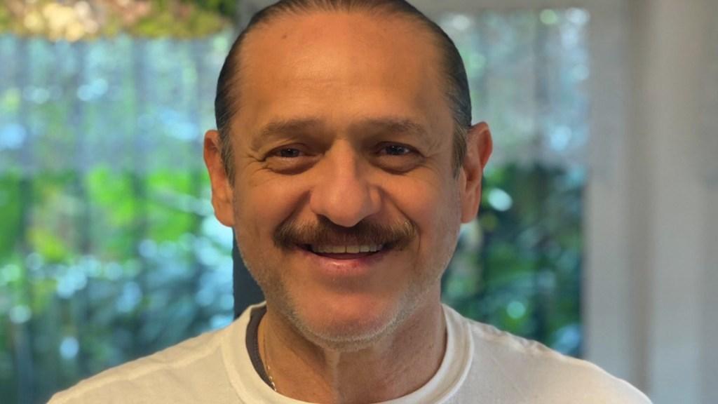 Operan a Teo González tras sufrir infarto; permanece en terapia intermedia - Operan a Teo González tras sufrir infarto; permanece en terapia intermedia. Foto de Twitter Teo González