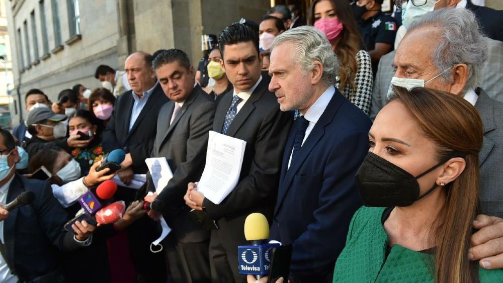 """Están simulando: AMLO a legisladores sobre acción de inconstitucionalidad por Revocación de Mandato - Va por México revocación mandato SCJN"