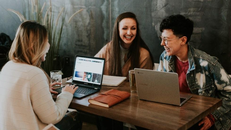 Anuncian el programa Crece con Google para Jóvenes 2021-2022 - jóvenes aprendiendo